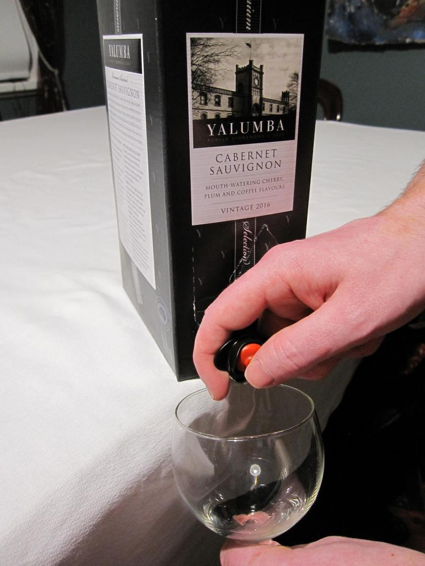 Pour wine 1